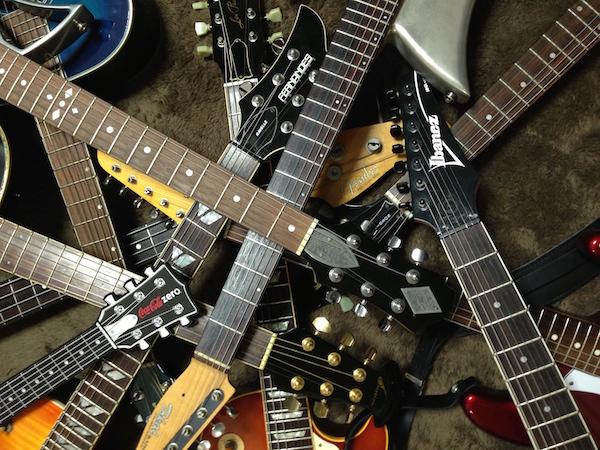 ギター達横600